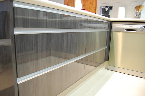 Muebles cocina gris ceniza 20170813053831 - Imagenes de cocinas empotradas ...