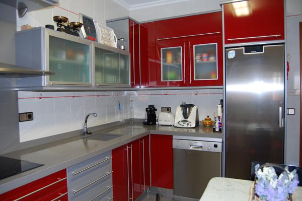 Muebles De Cocina En Color Rojo Granate Con Encimera De  Review